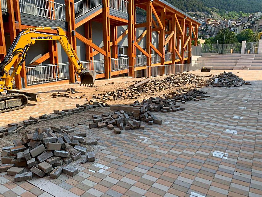 Iniziati i lavori per il riassestamento del piazzale della scuola D'Annunzio di Celano