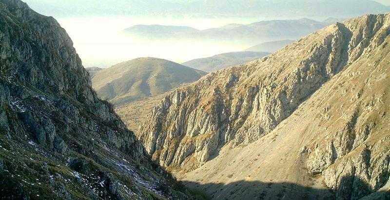 Divieto di accesso e transito ai sentieri di Valle Majelama, Monte Cafornia e Peschio Rovicino della Riserva di Monte Velino