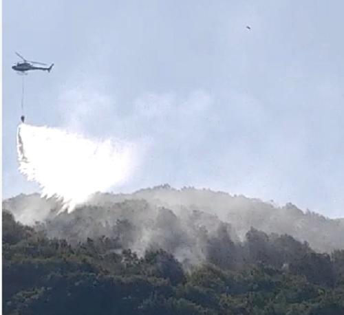 Incendio a Capistrello: impegnato elicottero