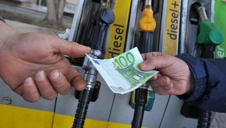 Prezzi carburante, nuovi rialzi: Benzina, Diesel e GPL alle stelle