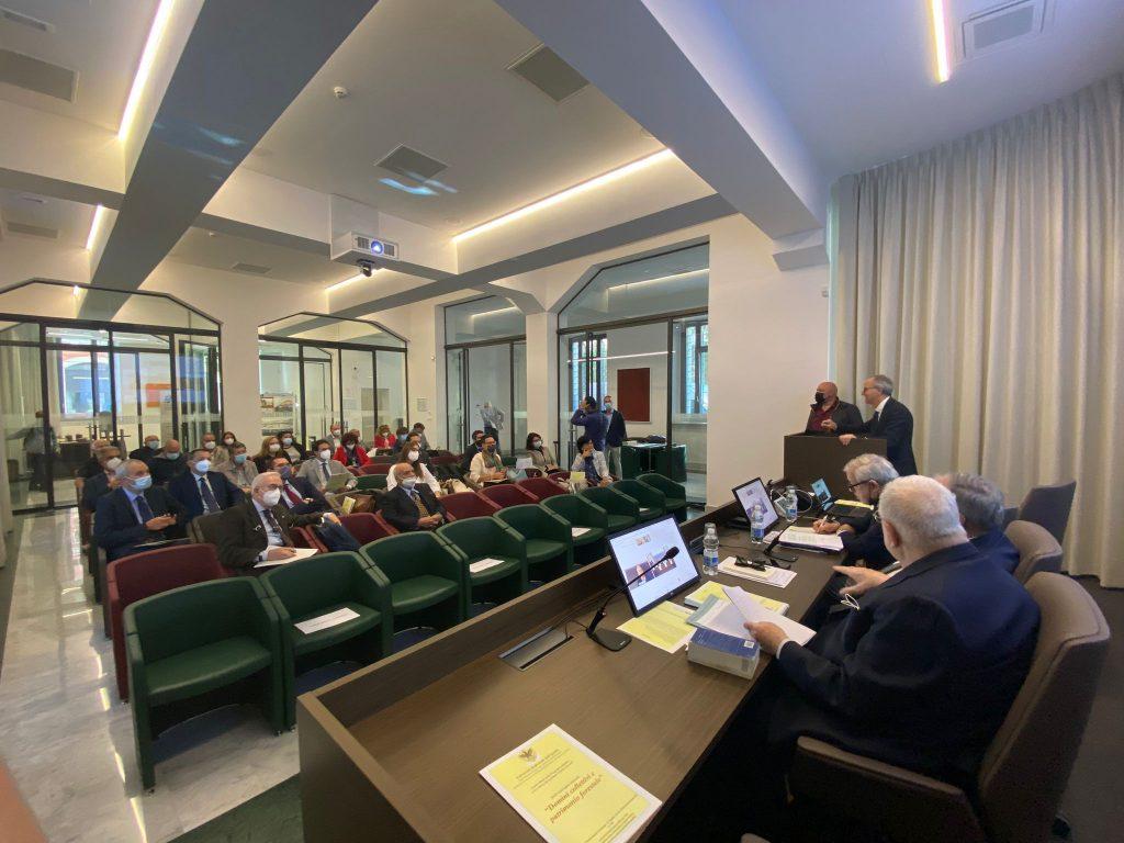 """La tutela del bosco e il suo valore identitario al centro del convegno """"Domini collettivi e patrimonio forestale"""" all'Aquila"""