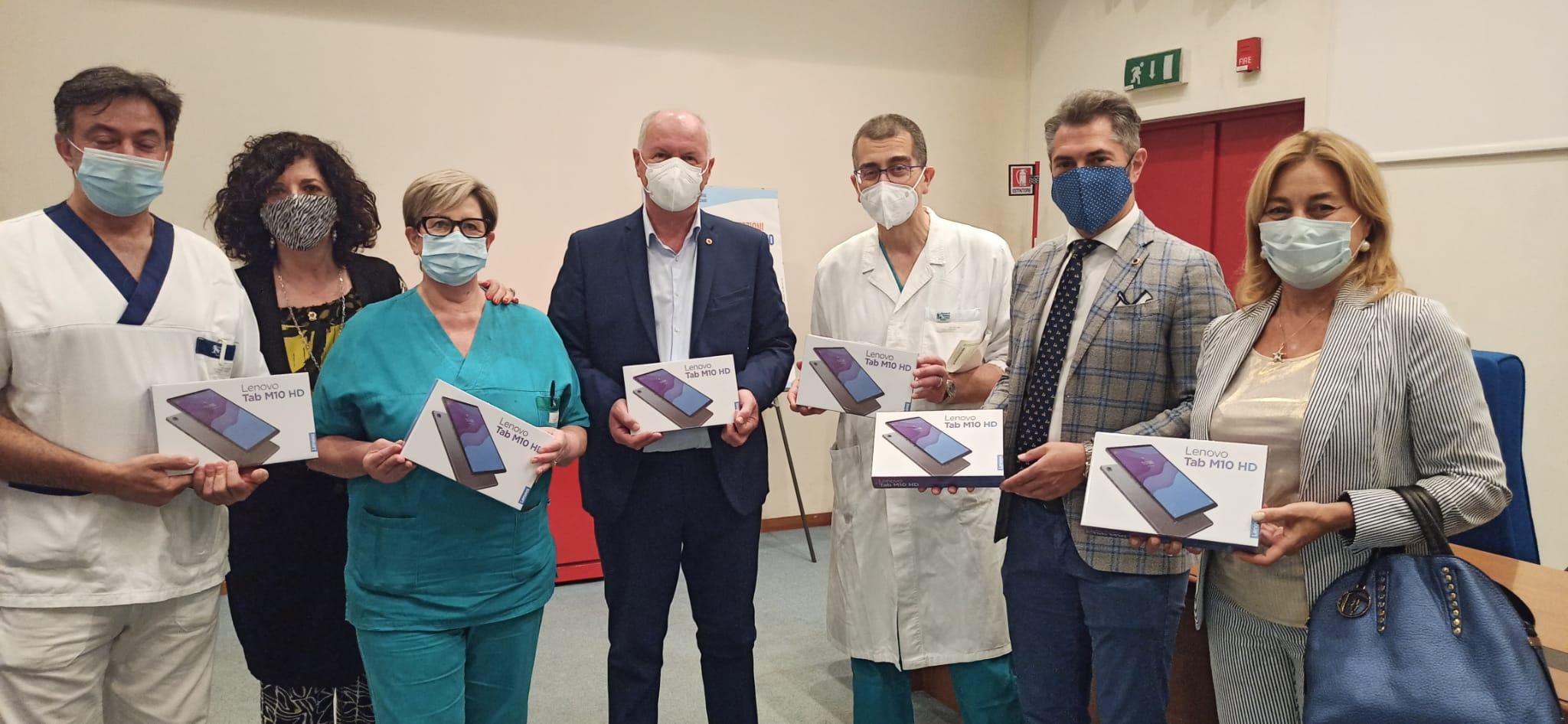 Il Lions Club di Avezzano, con il sostegno della Fondazione Carispaq, dona un Biofrigorifero all'ospedale