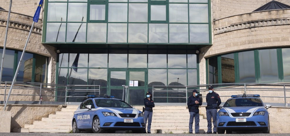 Arrestati per spaccio di stupefacenti due pregiudicati d'origine marocchina