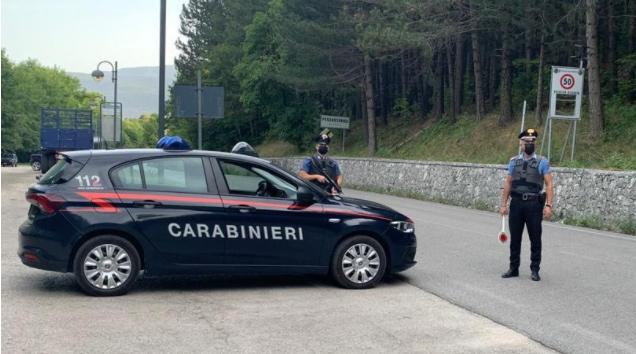 Carabinieri arrestano in flagranza di reato un cittadino 23enne