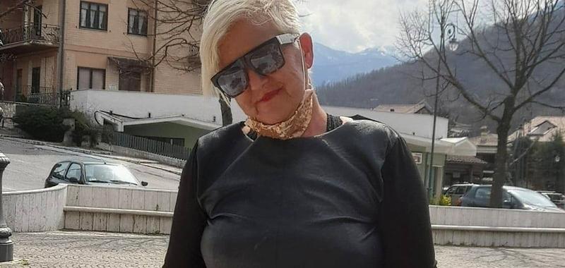 L'ultimo saluto di Civitella Roveto a Angela Siciliani scomparsa a soli 53 anni
