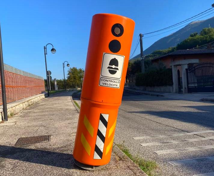 Danneggiata una colonnina per il controllo della velocità a Civita D'Antino