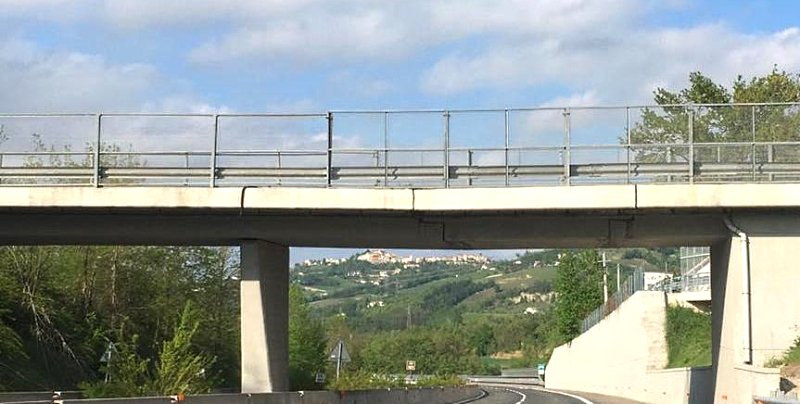 Sicurezza: divieto di transito per veicoli di massa superiore a 7,5 tonnellate sul cavalcavia di via dell'Oito sull'A25 a Magliano de' Marsi