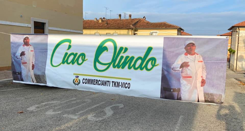 """""""Ciao Olindo"""": lo striscione dedicato a Olindo Di Salvatore da parte dei colleghi commercianti"""