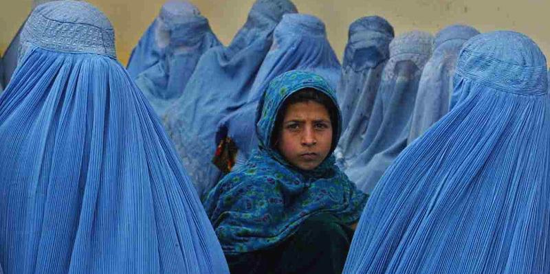 Mai più sole: una poesia di Maria Assunta Oddi dedicata alle donne di Kabul