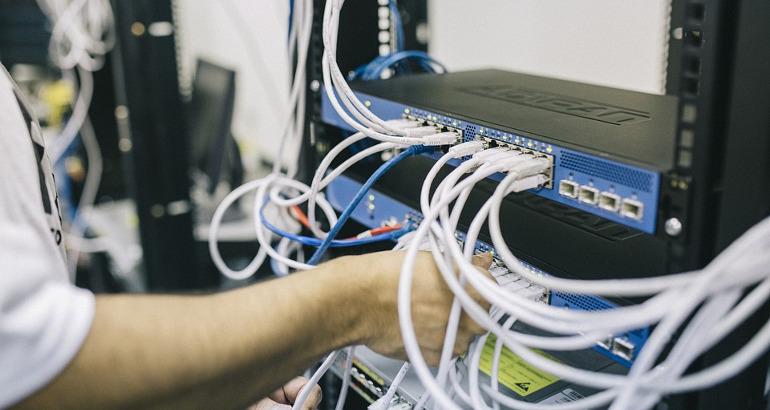 """Open fiber, partono i lavori per la città ultraveloce. Cipollone: """"le prime abitazioni saranno collegate entro fine anno"""""""