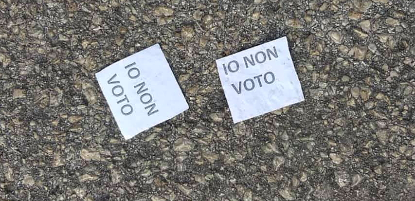 Io non voto: i foglietti ritrovati per strada a Tagliacozzo