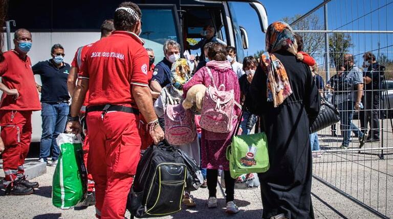 Entro questa sera saranno conclusi i trasferimenti dei profughi dal campo CRI di Avezzano