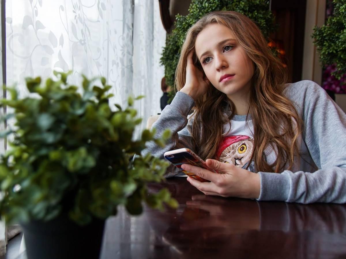 """""""Un viaggio indietro nel tempo"""": in down per 7 ore Facebook, Instagram e WhatsApp"""