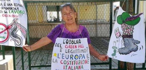 Alba Silvani, insegnante no vax sospesa, scrive a Marsilio e chiede il green pass gratuito