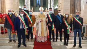 """Pescina dà il benvenuto al Vescovo Massaro con una solenne celebrazione nella Basilica """"Santa Maria delle Grazie"""""""