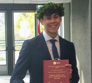 Il giovane cantautore marsicano Angelo Braghini, in arte Bracco, si è brillantemente laureato in Biotecnologie