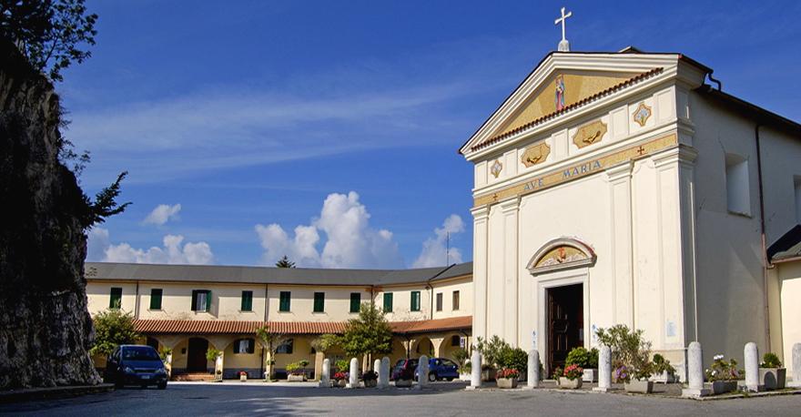Oggi il Vescovo in visita alla Pietraquaria, via libera alle auto sul Salviano