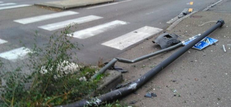 Pali della pubblica illuminazione incidentati, il Comune di Avezzano provvede alla sostituzione