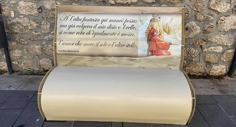 Inaugurate a Celano le panchine-libro dedicate alla Divina Commedia e a Dante