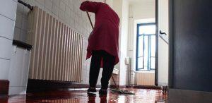 Addetti alle mense e pulizie nelle scuole: mille euro per il periodo di blocco attività nel lockdown