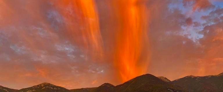 L'esplosione di un vulcano? No, un tramonto a Roccavivi