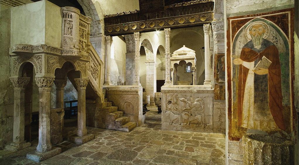 Visita guidata alla chiesa di S. Maria in Valle Porclaneta a cura dell'Archeoclub Marsica per Chiese Aperte 2021