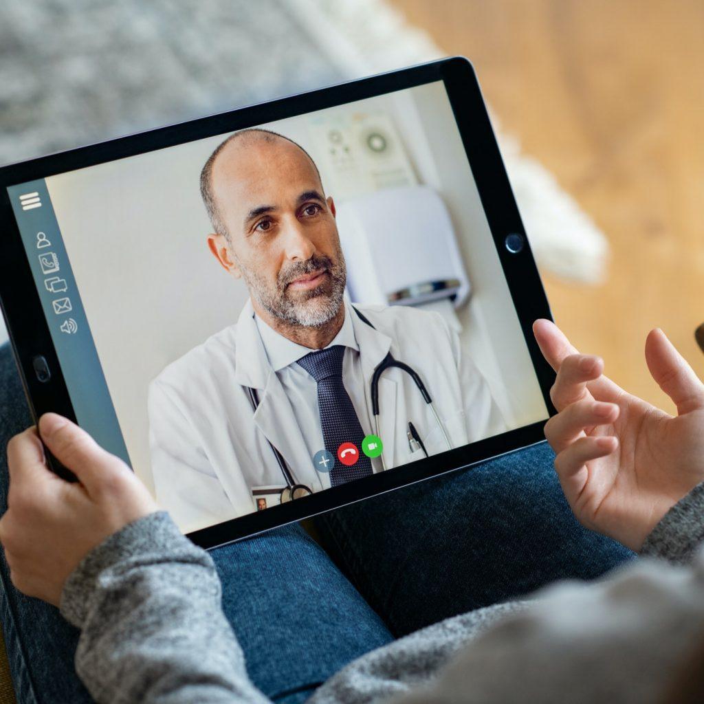 patient-doctor-online-consultation.jpg