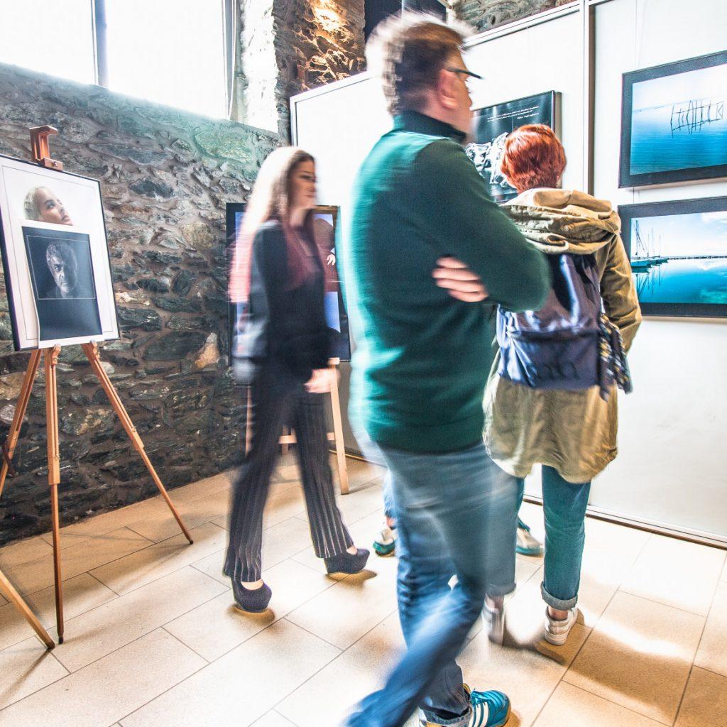 visitors-at-photography-exhibition_t20_lWlma8.jpg